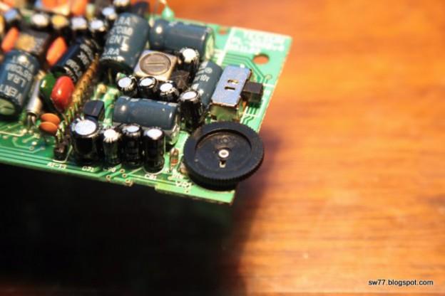 Tecsun PL-200 (Eton E100) repair: replacing volume control resistor